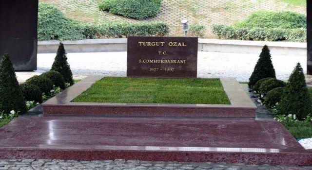 Turgut Özal, vefatının 28. yılında kabri başında anıldı
