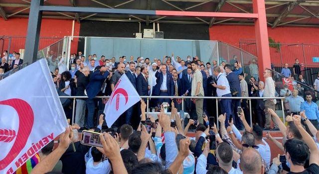 Yeniden Refah Partisi Fatih İlçe Başkanlığı Gövde Gösterisi gibi Kongre Yaptı