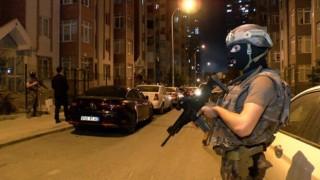 İstanbul'da hareketli gece! Polis kapıyı kırarak girdi