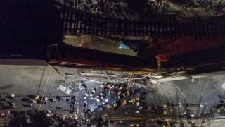 Mexico City'de metro üst geçidi çöktü! Çok sayıda ölü ve yaralı var