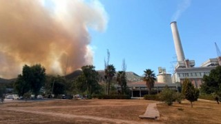 Yangın kritik bölgeye sıçradı, patlama sesleri geliyor